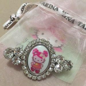 Tarina Tarantino Hello Kitty Swarovski hair clip